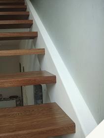 Лестница на тетиве из нержавейки