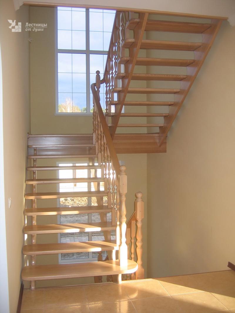 Лестница из бука красивая