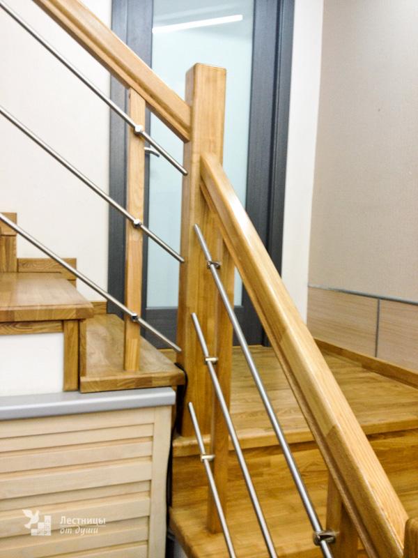 Лестница с площадкой разворотная