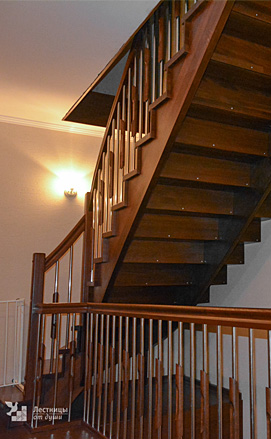 Лестница в доме на третий этаж