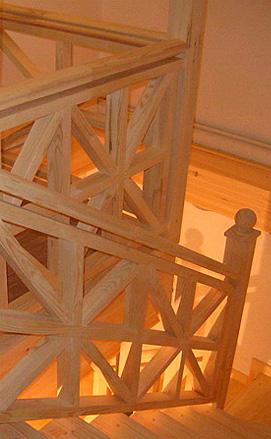 Лестница для дома из сосны
