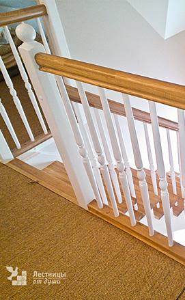 Классическая двухцветная лестница