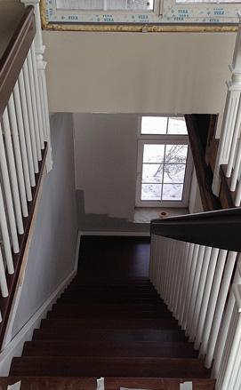 Лестница на больцах из дуба