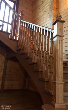 Классическая лестница из дуба