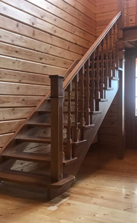 Бюджетная лестница из сосны